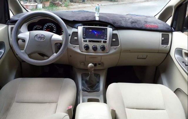 Cần bán xe cũ Toyota Innova E đời 2015, màu bạc4