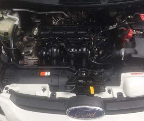 Cần bán gấp Ford Fiesta đời 2011, màu trắng, giá 295tr5