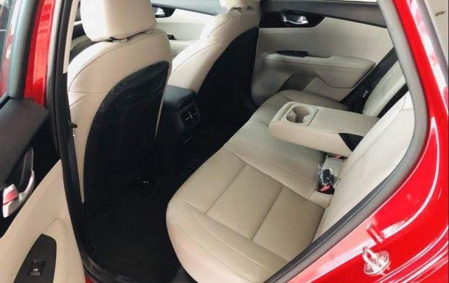 Bán xe Kia Cerato đời 2019, màu đỏ, nhập khẩu4