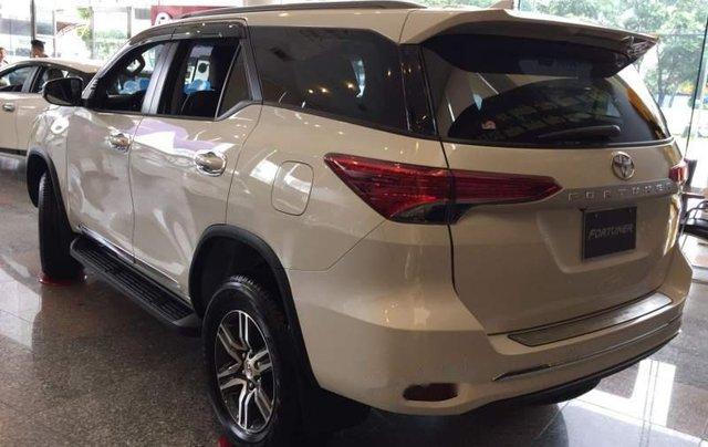 Bán Toyota Fortuner đời 2019, màu trắng, nhập khẩu 4