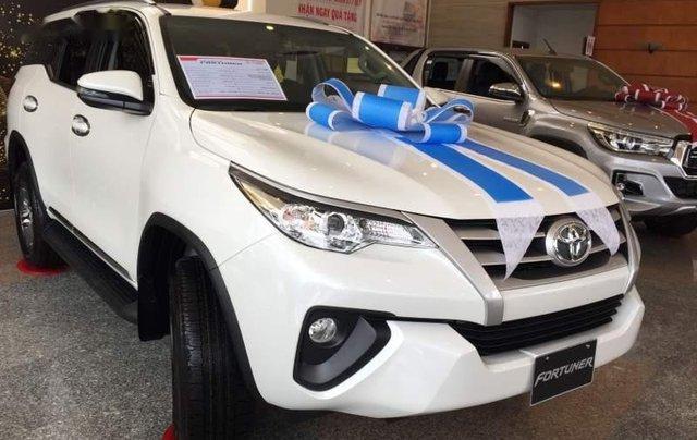 Bán Toyota Fortuner đời 2019, màu trắng, nhập khẩu 2
