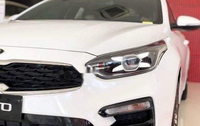Bán Kia Cerato sản xuất 2019, màu trắng, 559tr0