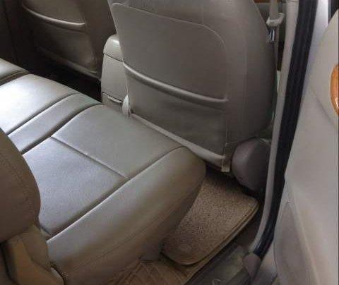 Cần bán lại xe Toyota Innova năm sản xuất 2008, màu bạc2
