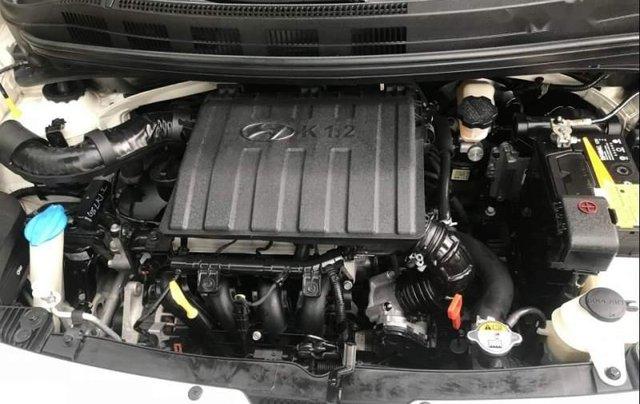 Chính chủ bán Hyundai Grand i10 đời 2015, màu trắng, nhập khẩu số tự động4