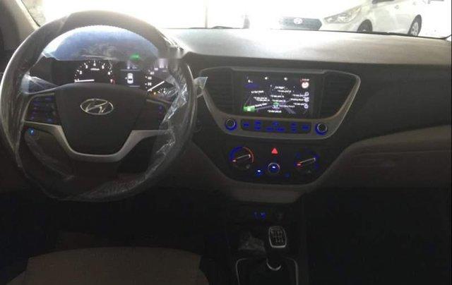 Bán Hyundai Accent 2019, màu trắng, nhập khẩu  2