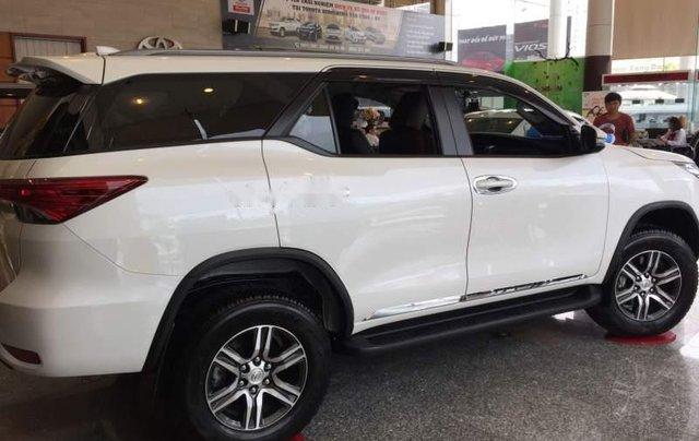 Bán Toyota Fortuner đời 2019, màu trắng, nhập khẩu 3