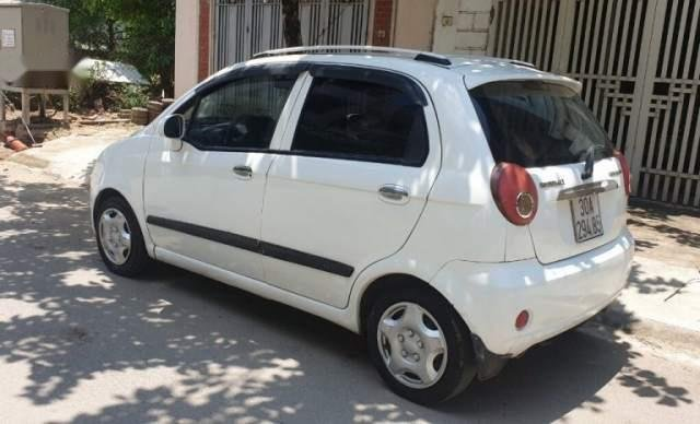 Cần bán gấp Chevrolet Spark sản xuất 2009, màu trắng  2