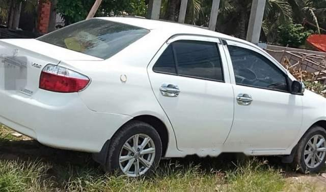 Bán Toyota Vios sản xuất năm 2006, màu trắng, nhập khẩu 2