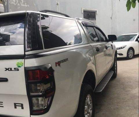 Cần bán gấp Ford Ranger MT sản xuất năm 2017, màu trắng, nhập khẩu 1