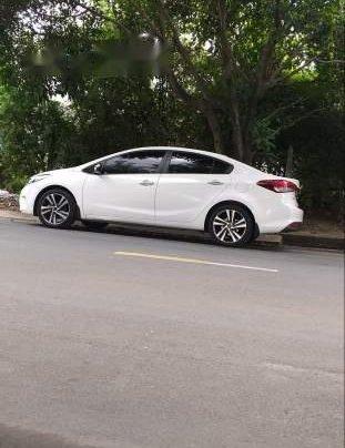 Bán Kia Cerato đời 2018, màu trắng, xe đẹp ngay chủ
