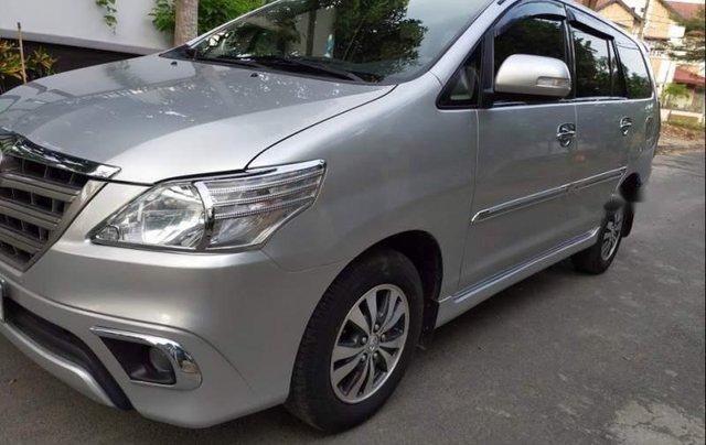 Cần bán xe cũ Toyota Innova E đời 2015, màu bạc2