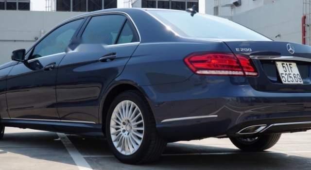 Cần bán xe Mercedes E200 sản xuất năm 20154