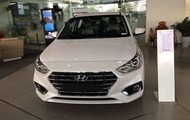 Bán xe Hyundai Accent đời 2019, màu trắng, giá chỉ 427 triệu0