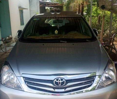 Xe Toyota Innova năm sản xuất 2009, màu bạc0