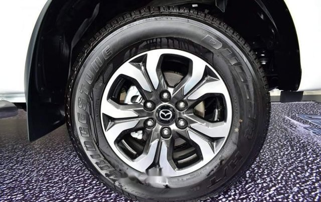 Bán xe Mazda BT 50 đời 2019, màu trắng, nhập khẩu  5