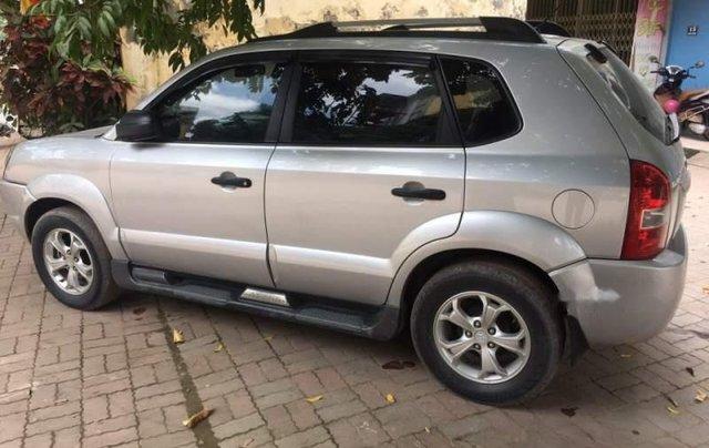 Cần bán gấp Hyundai Tucson đời 2009, màu bạc, nhập khẩu2