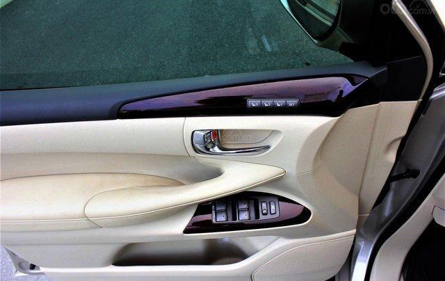 Bán Lexus LX 570 sx 2015 biển VIP, màu vàng cát, nội thất kem cực hiếm, giá tốt7
