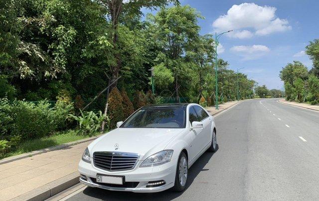 Bán xe Mercedes S400 model 2012 màu trắng, xăng điện1