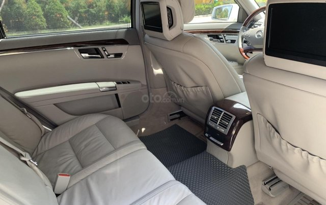 Bán xe Mercedes S400 model 2012 màu trắng, xăng điện12
