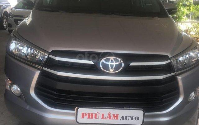Cần bán Toyota Innova E đời 2017 số sàn, màu nâu0