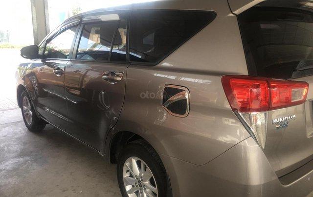 Cần bán Toyota Innova E đời 2017 số sàn, màu nâu3