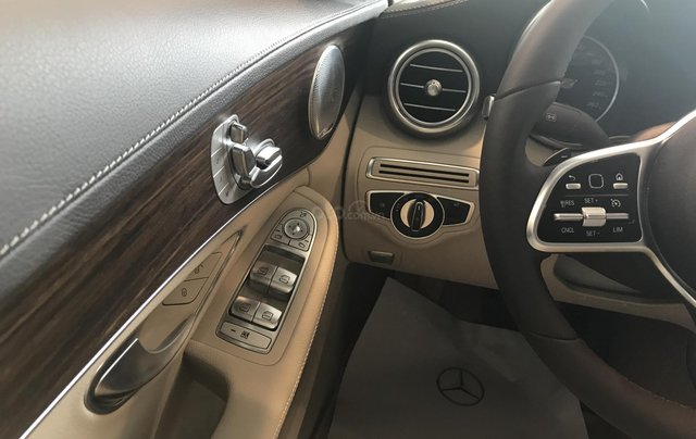 Cần bán Mercedes C200 Exclusive Sx 2019 đủ màu, giao xe ngay. LH 093698003813