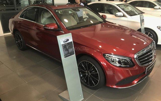Cần bán Mercedes C200 Exclusive Sx 2019 đủ màu, giao xe ngay. LH 09369800381