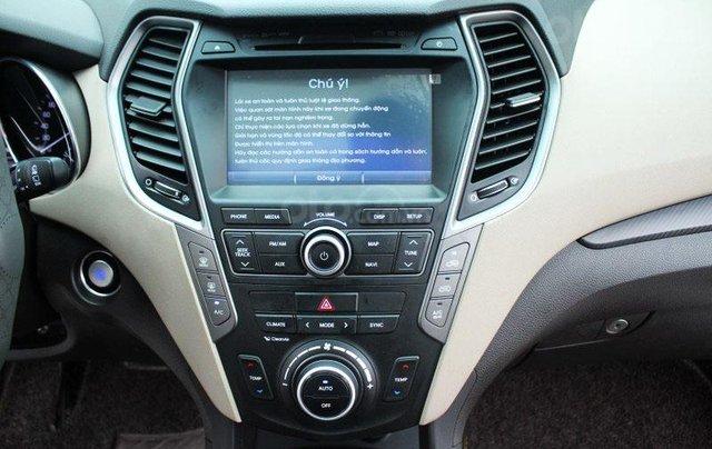 Cần bán Hyundai Santa Fe 2.2L sản xuất 201611