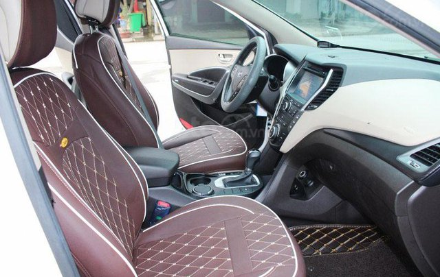 Cần bán Hyundai Santa Fe 2.2L sản xuất 20168