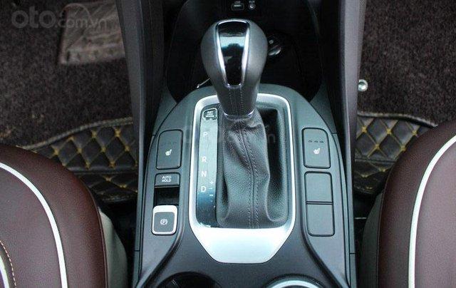 Cần bán Hyundai Santa Fe 2.2L sản xuất 201610