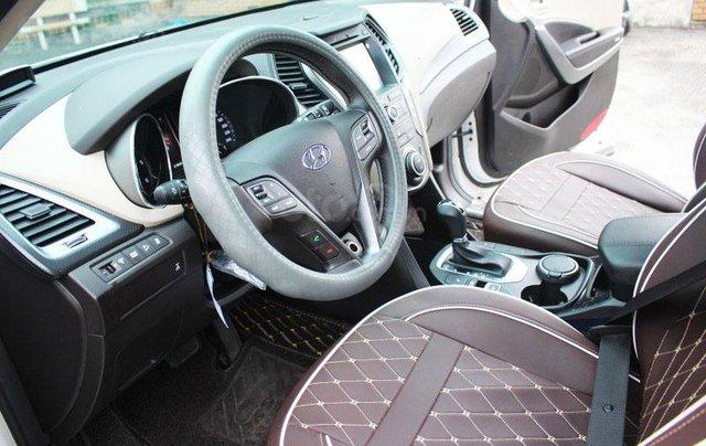 Cần bán Hyundai Santa Fe 2.2L sản xuất 20166