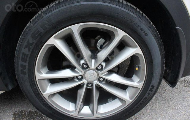 Cần bán Hyundai Santa Fe 2.2L sản xuất 201616