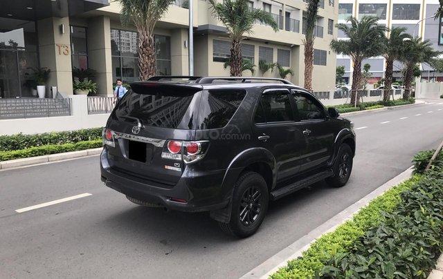 Bán Toyota Fortuner 2016 tự động, màu xám chì, xe gia đình chính chủ2