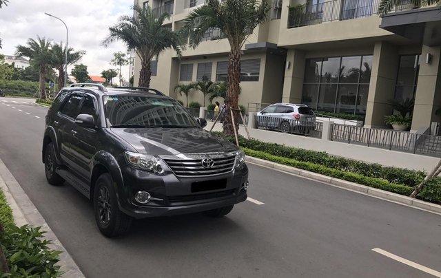 Bán Toyota Fortuner 2016 tự động, màu xám chì, xe gia đình chính chủ4
