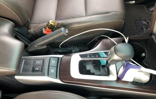 Bán Toyota Fortuner 2.8V 2 cầu, số tự động, máy dầu, nhập khẩu Indonesia T5/2019 màu đen VIP đi 8000km2