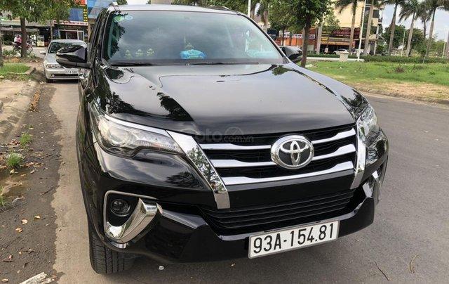 Bán Toyota Fortuner 2.8V 2 cầu, số tự động, máy dầu, nhập khẩu Indonesia T5/2019 màu đen VIP đi 8000km3