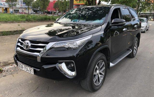 Bán Toyota Fortuner 2.8V 2 cầu, số tự động, máy dầu, nhập khẩu Indonesia T5/2019 màu đen VIP đi 8000km4