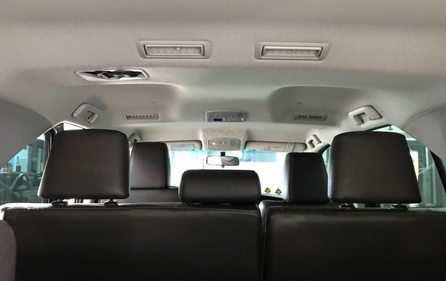 Bán Toyota Fortuner 2.8V 2 cầu, số tự động, máy dầu, nhập khẩu Indonesia T5/2019 màu đen VIP đi 8000km7