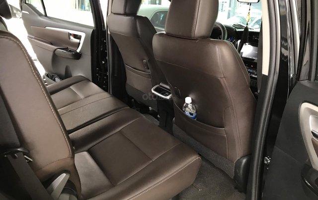 Bán Toyota Fortuner 2.8V 2 cầu, số tự động, máy dầu, nhập khẩu Indonesia T5/2019 màu đen VIP đi 8000km10