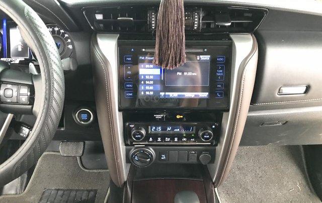 Bán Toyota Fortuner 2.8V 2 cầu, số tự động, máy dầu, nhập khẩu Indonesia T5/2019 màu đen VIP đi 8000km15