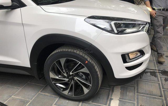 Bán Hyundai Tucson 2.0 dầu 2019, trả góp 80%, LH 09765439581