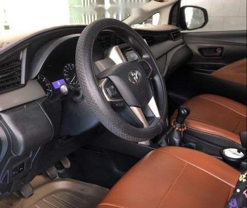 Chính chủ bán Toyota Innova đời 2017, màu trắng1