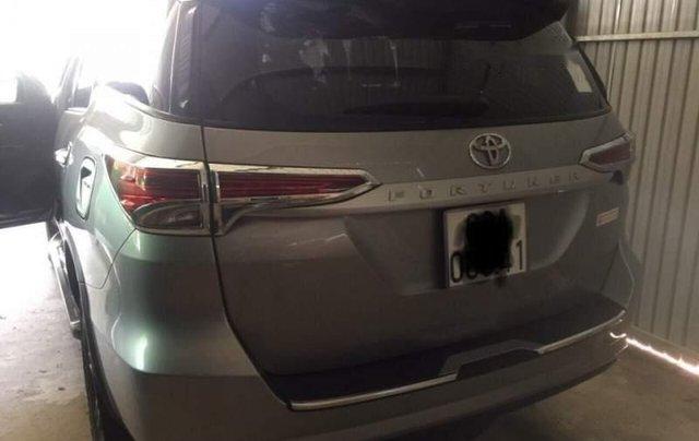 Bán xe Toyota Fortuner 2017, màu bạc, nhập khẩu số sàn, 985 triệu4