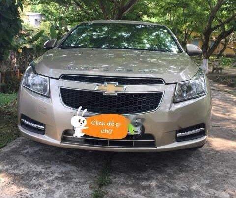 Bán xe Chevrolet Cruze LS năm 2011, màu vàng, giá tốt0