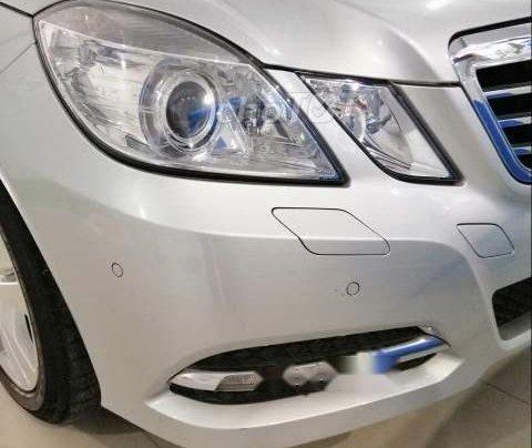 Bán xe Mercedes E250 đời 2011, màu bạc, 980 triệu0