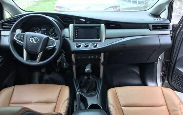 Cần bán Toyota Innova năm 2019, màu bạc2