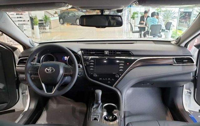 Bán xe Toyota Camry 2.5Q năm sản xuất 2019, màu trắng, nhập khẩu4