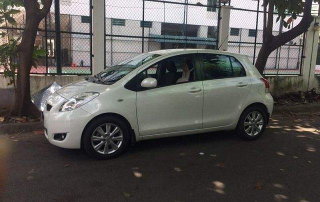 Chính chủ bán Toyota Yaris đời 2009, màu trắng, xe nhập2