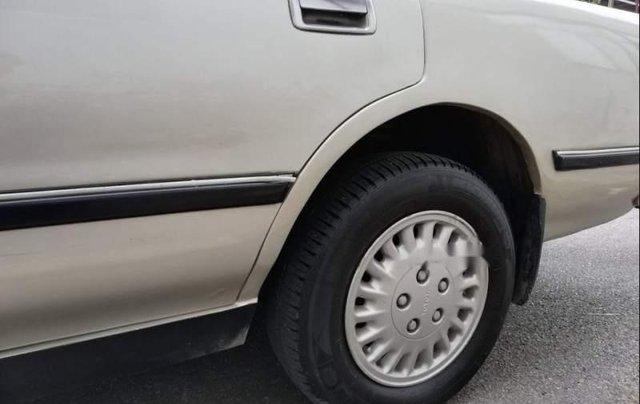Bán Toyota Cressida XL năm sản xuất 1994, màu vàng, 118tr1