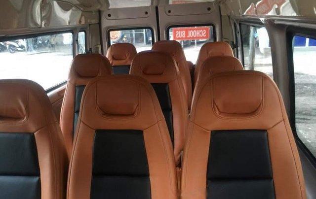 Cần bán xe Ford Transit đời 2015, màu bạc số sàn, giá 525tr1